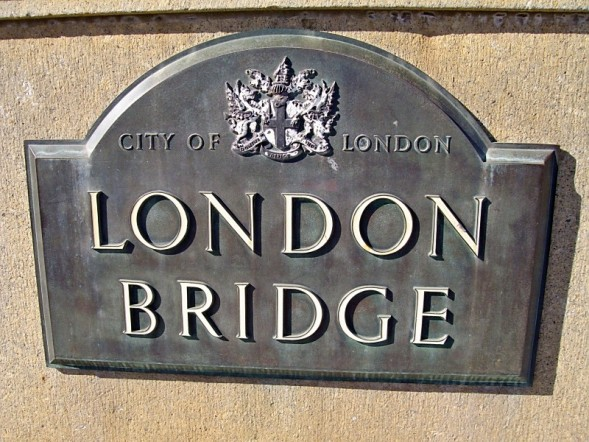 london bridge lake havasu arizona. The London Bridge is a
