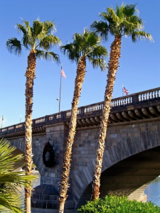 london_bridge_with_palm_trees