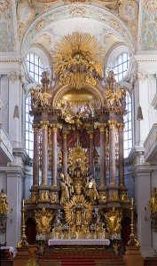 Peterskirche Munich - St. Peter's Church Altar