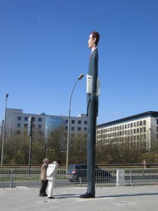 The Tall Banker, Luxembourg