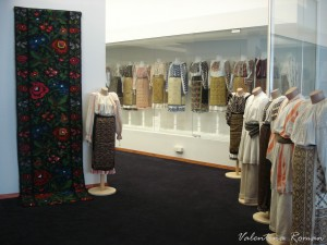 Romanian Traditional Costume Museum 05