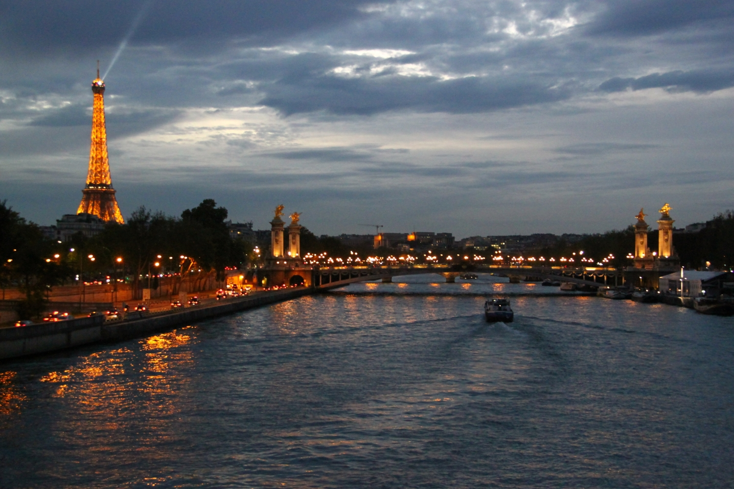 Eiffel Tower - Seine night