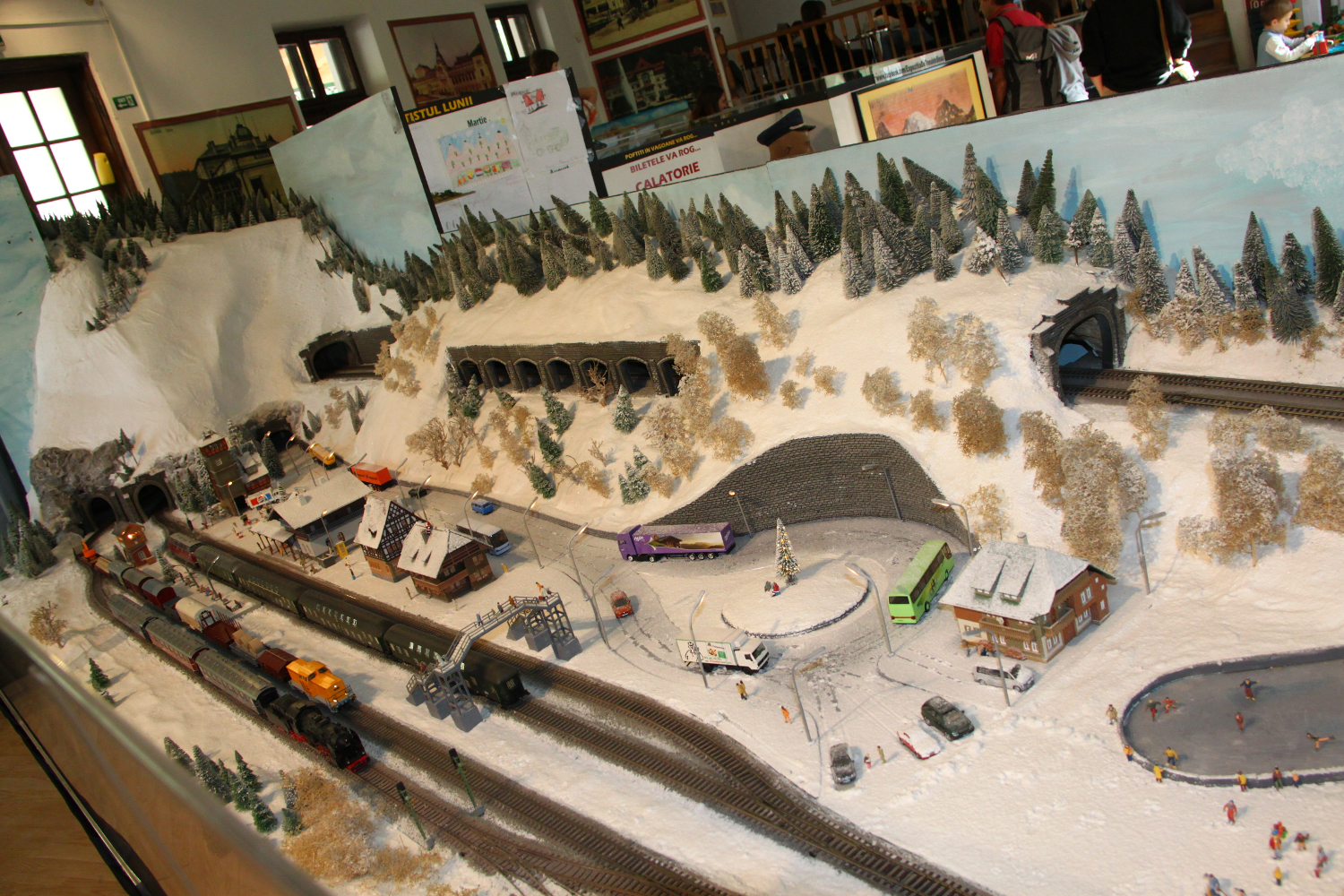 Impressive model trains exhibition in sinaia travel moments in time sinaia model trains exhibition wonter 2 fandeluxe