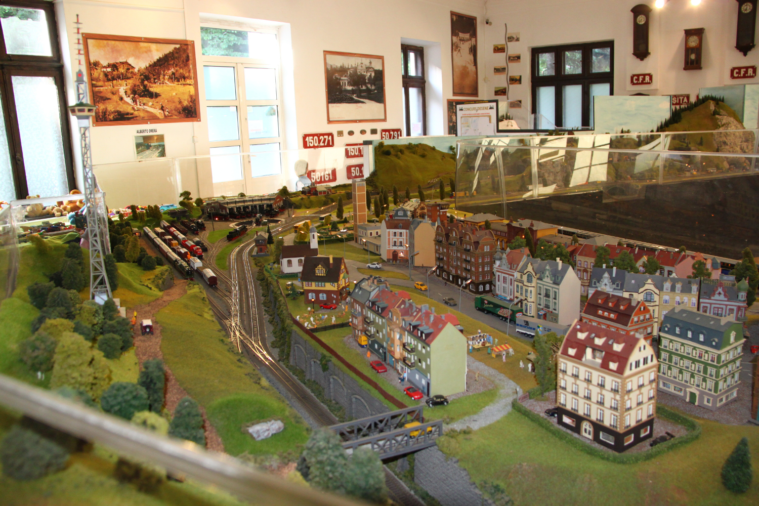 Impressive model trains exhibition in sinaia travel moments in time sinaia model trains exhibition 9 fandeluxe