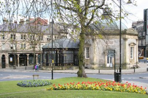 Pump Room Harrogate_-_geograph.org.uk_-_12894, photo source Wikipedia