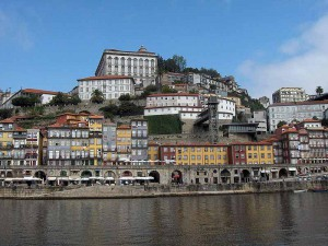 Porto Ribeira, photo by Georges Jansoone on Wikipedia