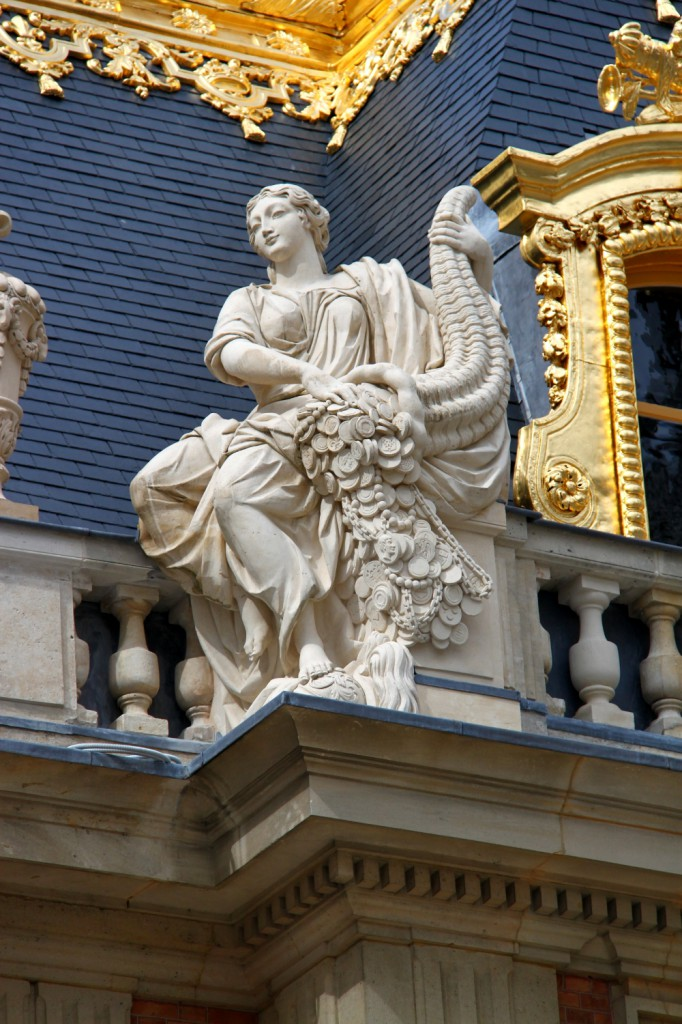 Versailles Palace - statue