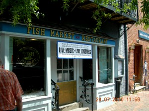 ad: Washington - live music and live lobsters3