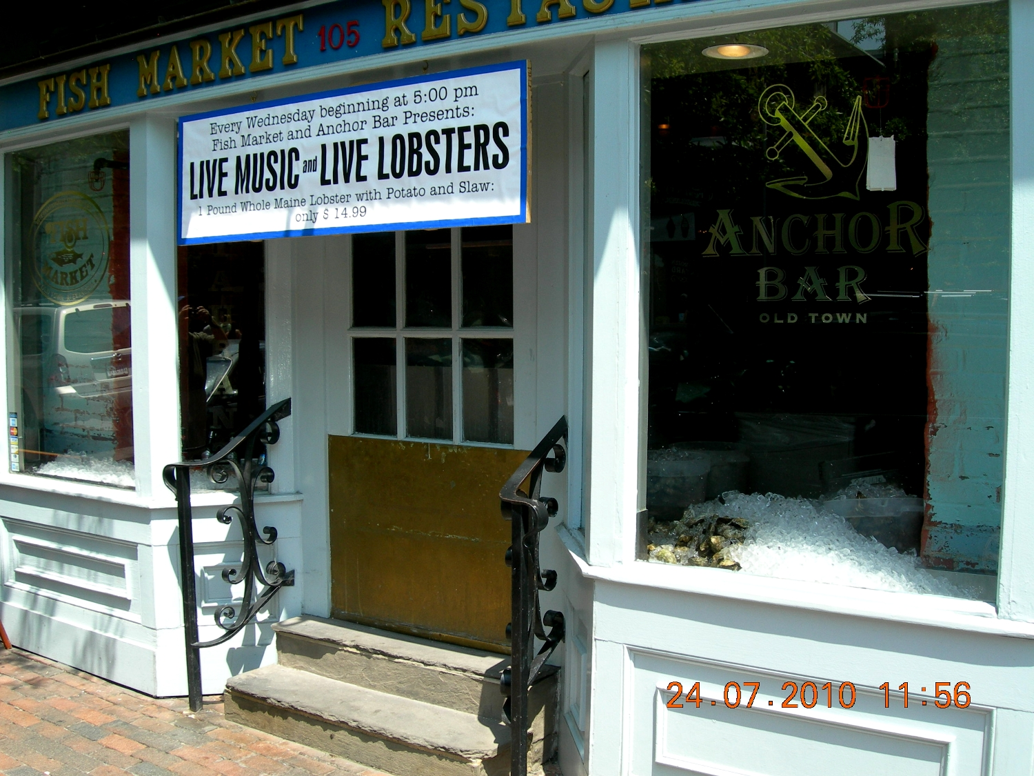 Washington - live music and live lobsters3