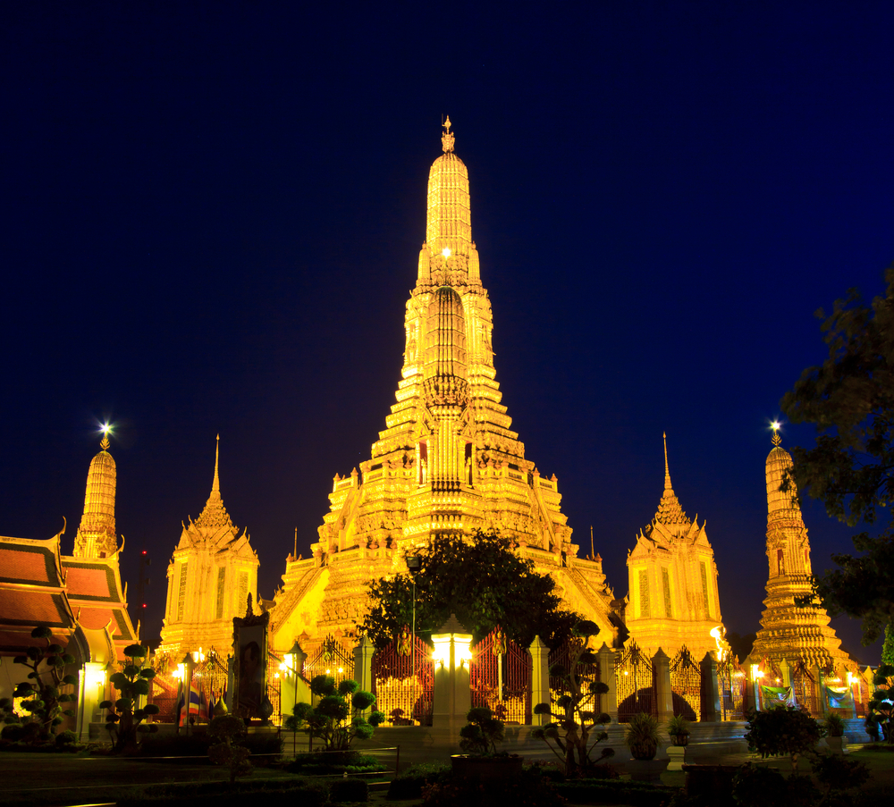 Old Temple Wat Arun in Bangkok Thailand, night view