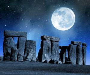 Stonehenge by night