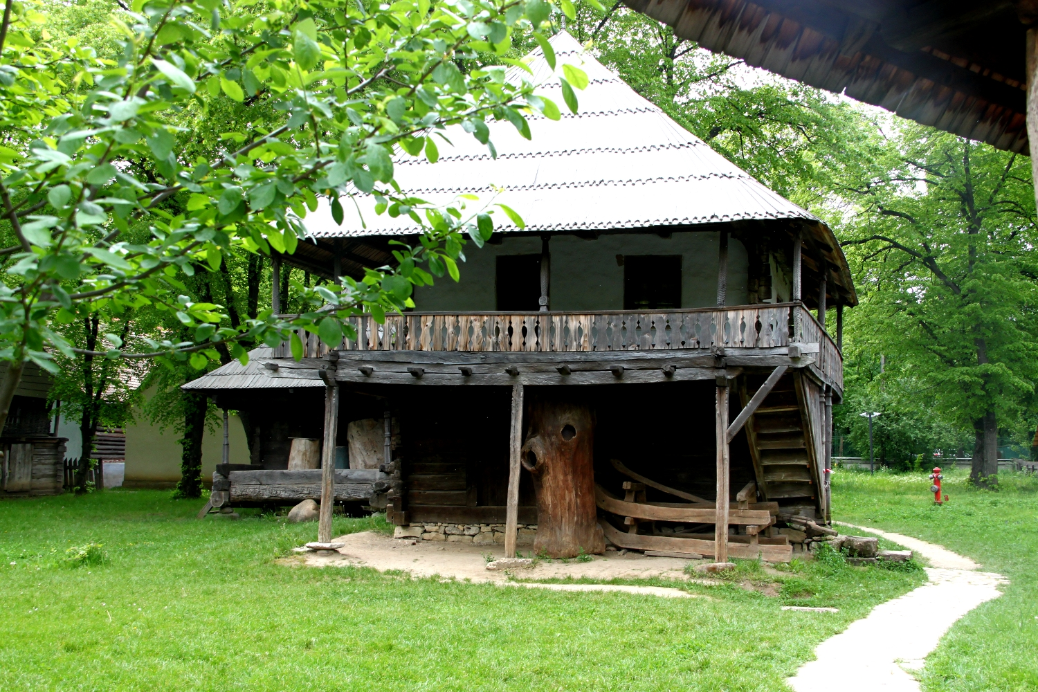 Household of rich peasants from gorj romania in 1800 travel moments in time - Romanian peasant houses ...