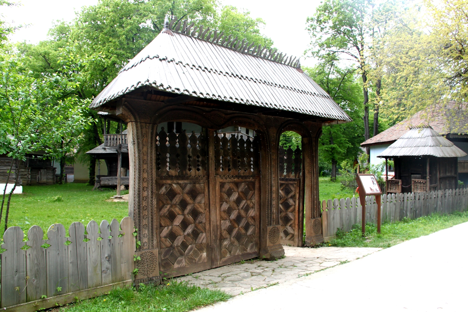 Gate of a Household of rich peasants from Gorj, Romania - from 1800