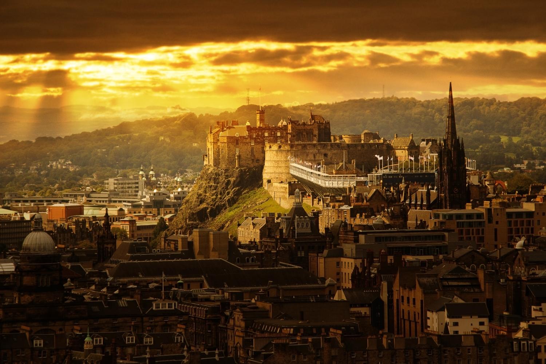 Hotels Close To Edinburgh Castle