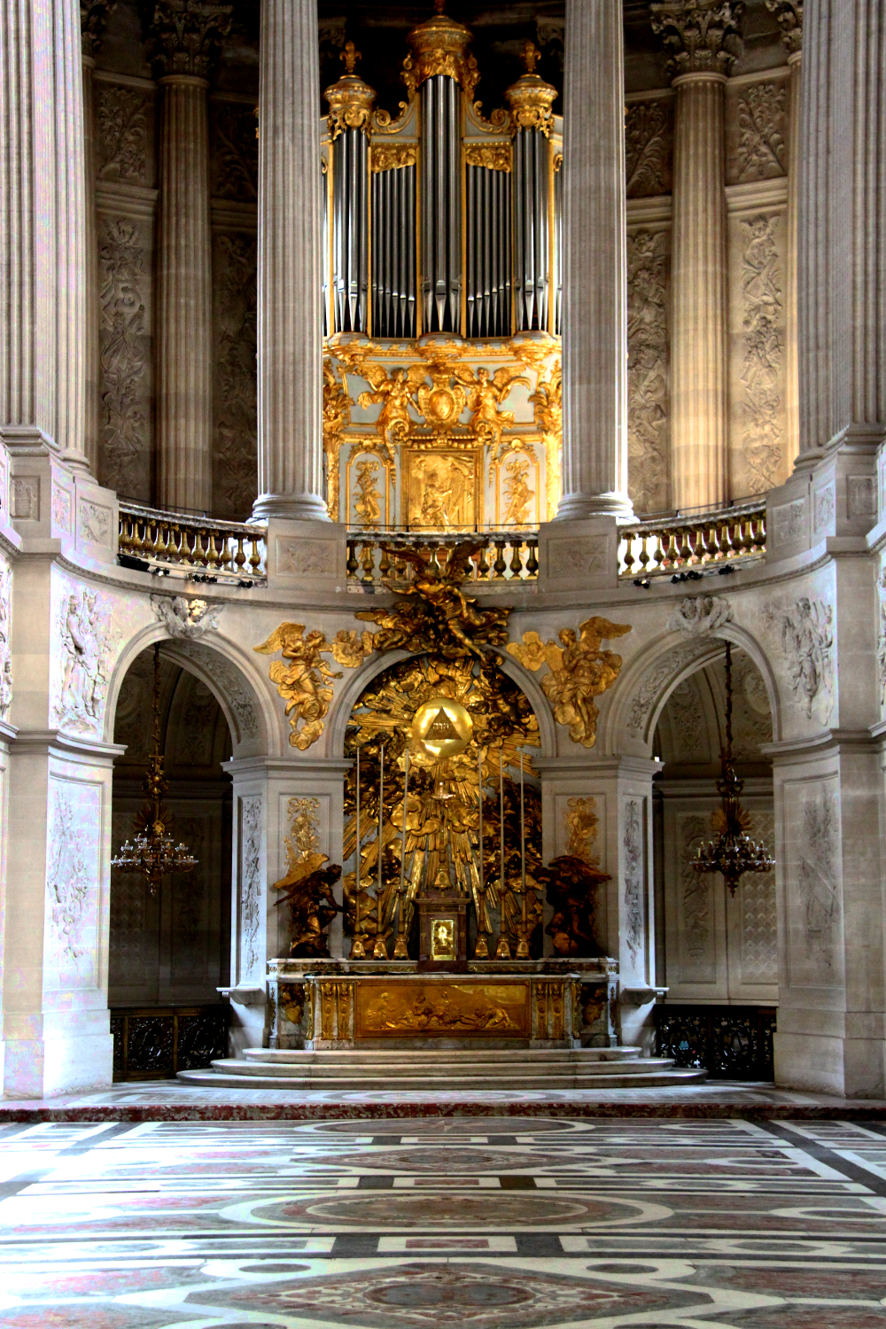 The impressive organ at the Royal Chapel, Versailles, France