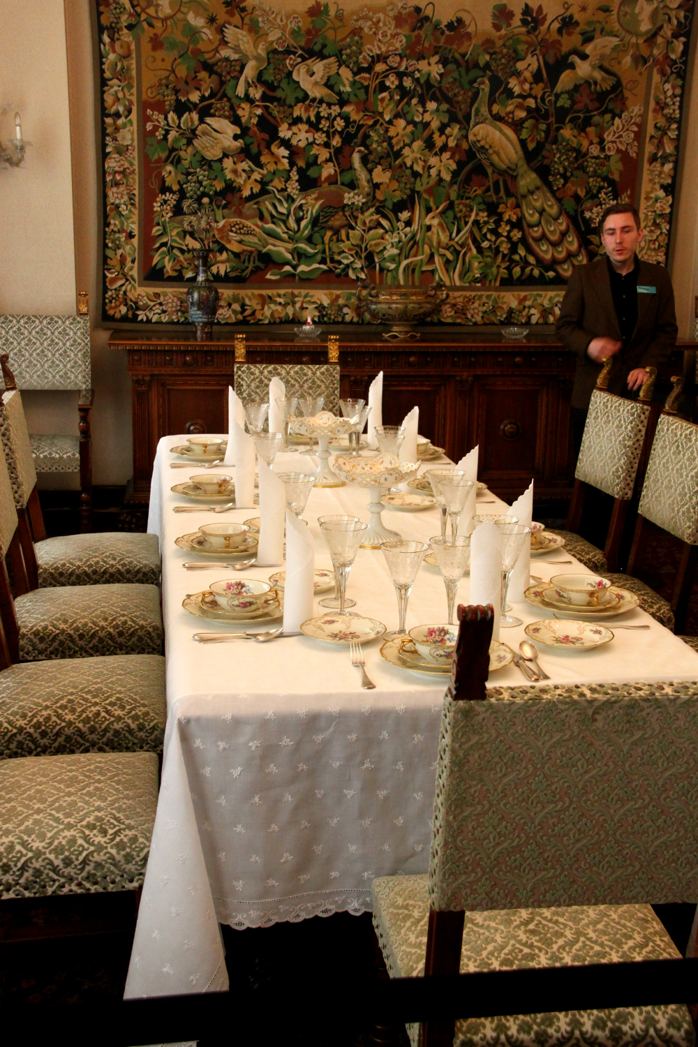 Primaverii (Spring) Palace, Ceausescu's private residence - official dining_room
