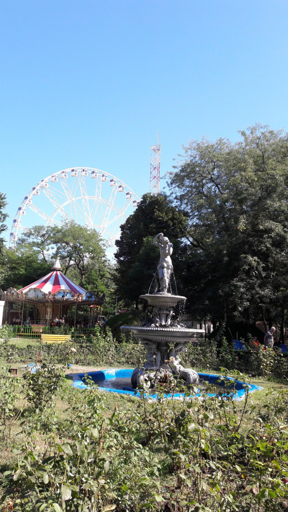 New #ferris #wheel and amusement #park in #Bucharest, #Romania - #travel, #Europe, #fun, #kids