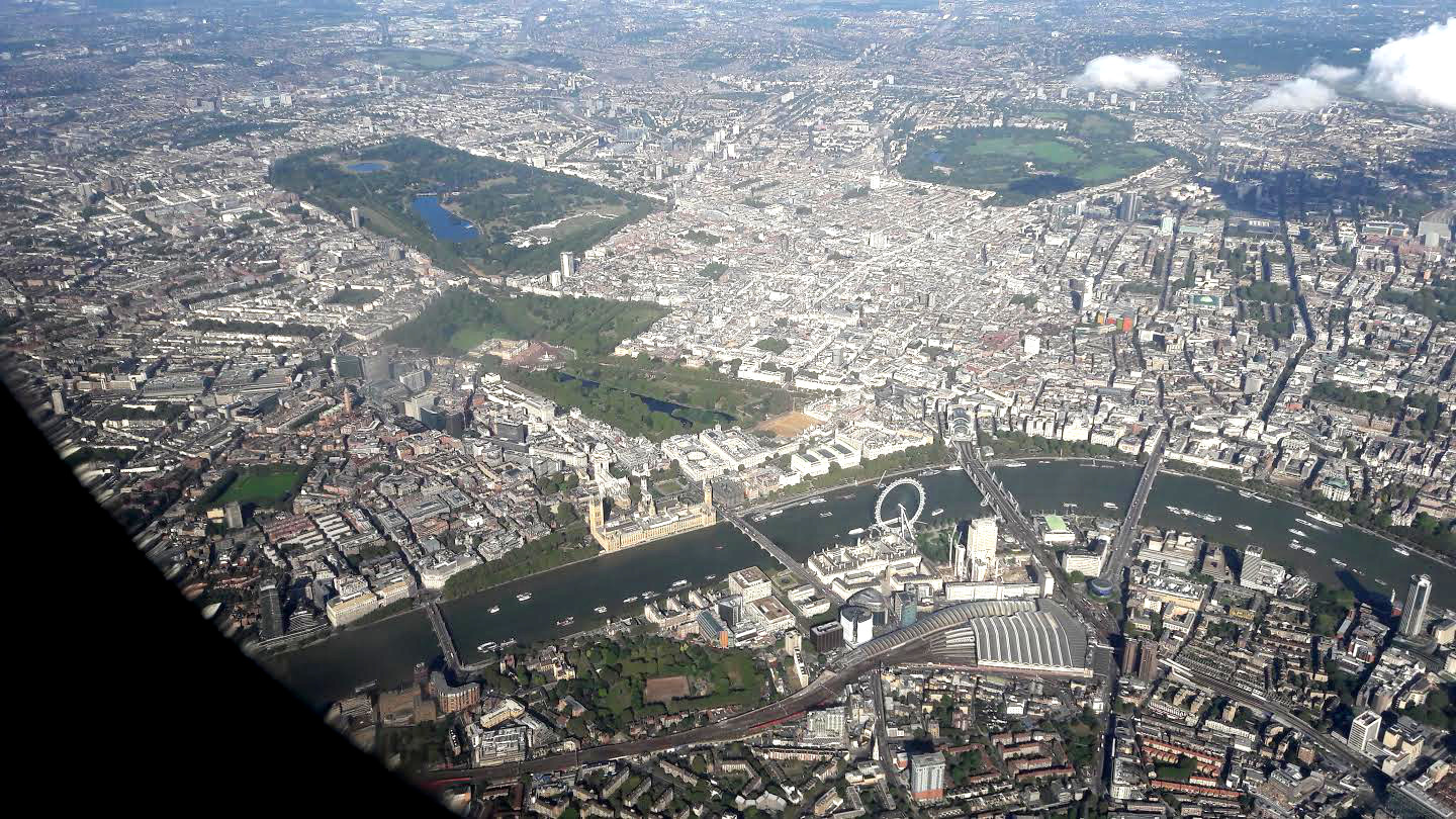 #London seen from the #airplane #travel #Europe #UK