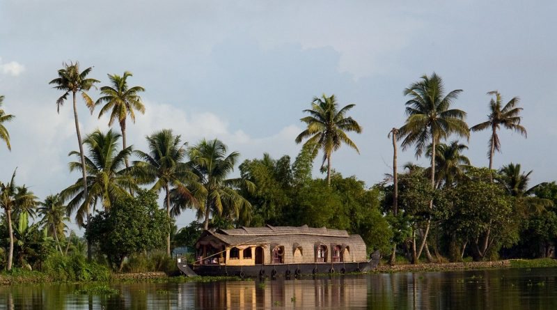 Kerala - Backwaters - Exploring India