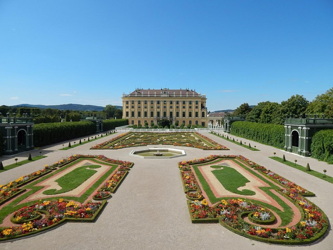 Schoenbrunn's Palace garden