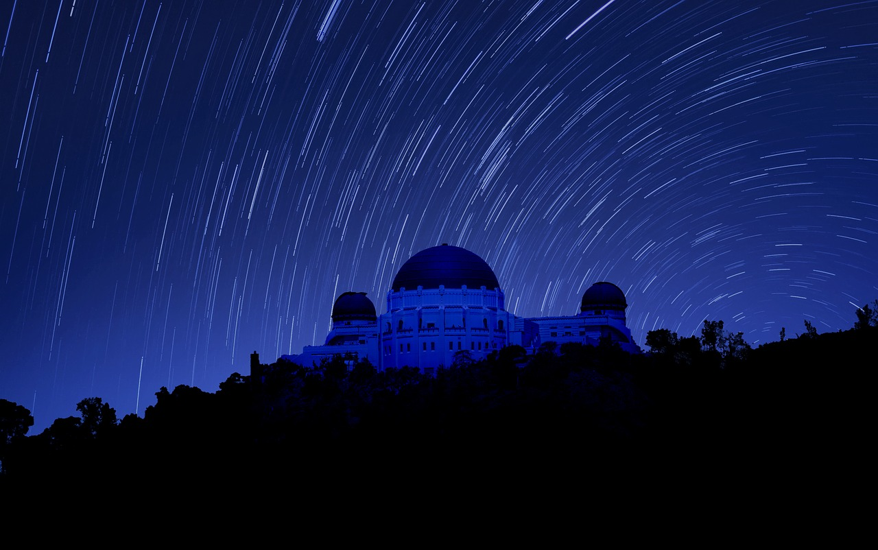 The Griffith Observatory at night - The ultimate guide to Los Angeles by a local