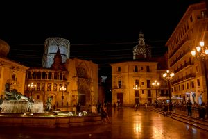 Cathedral Square in Valencia, Spain. Read this article to discover the perfect 2 day itinerary for Valencia Spain, with what to do in Valencia at night, what to see in Valencia, food in Valencia, and more from a local. #spain #valenciaitinerary #valenciatravel #itineraryvalencia Photo by Would Be Traveller