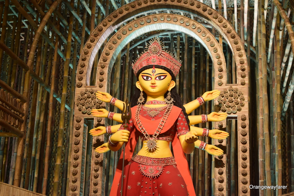 Durgapuja in Kolkata, India. Read more about what you need to know about traveling to India - insider's tips regarding what to eat in India, things to see in India, currency in India, beaches in India, Indian culture, and more. #india #indiatips #asia #asiatravel