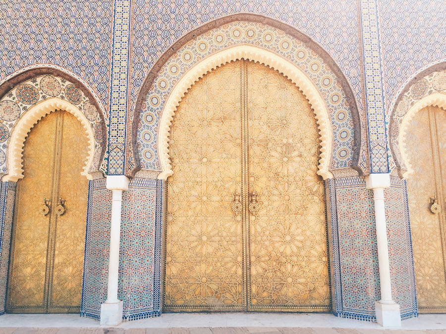 Fes Palace, Morocco. Useful information about medina, part of the list of 13 things to know before traveling to Morocco #Morocco #moroccotravel #traveltips