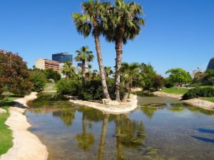 Going to Turia in Valencia, Spain is one of top things to do in Valencia Spain. Read this article to discover how to spend 2 days in Valencia Spain, what to see in Valencia, where to eat in Valencia #valencia #spain #valenciaitinerary #valenciatravel #itineraryvalencia Photo by Would Be Traveller