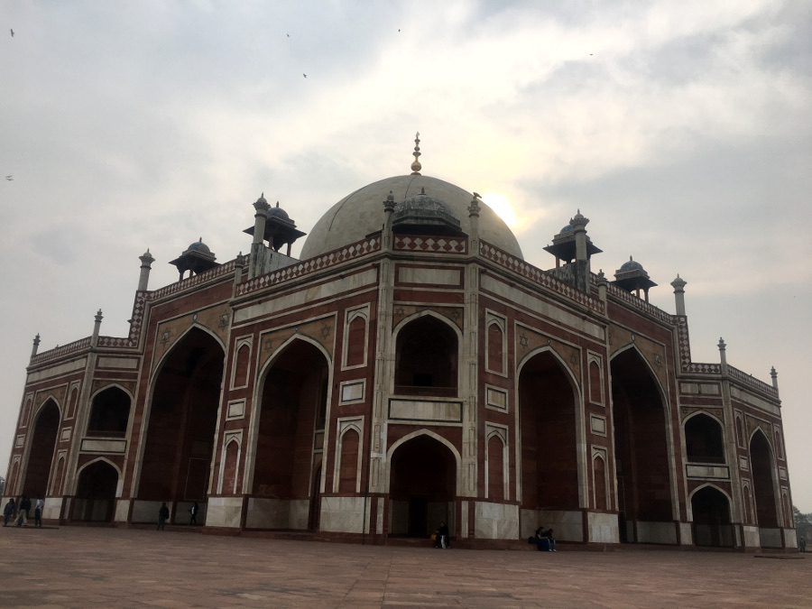 Humayun Tomb, Delhi. Read this insider's guide on how to spend 3 days in Delhi, India and discover what to see in Delhi, what to do in Delhi, what to eat in Delhi, and where to stay in Delhi. #Delhi #NewDelhi #olddelhi #India #Asia #Delhitravel #delhiguide #delhiitinerary