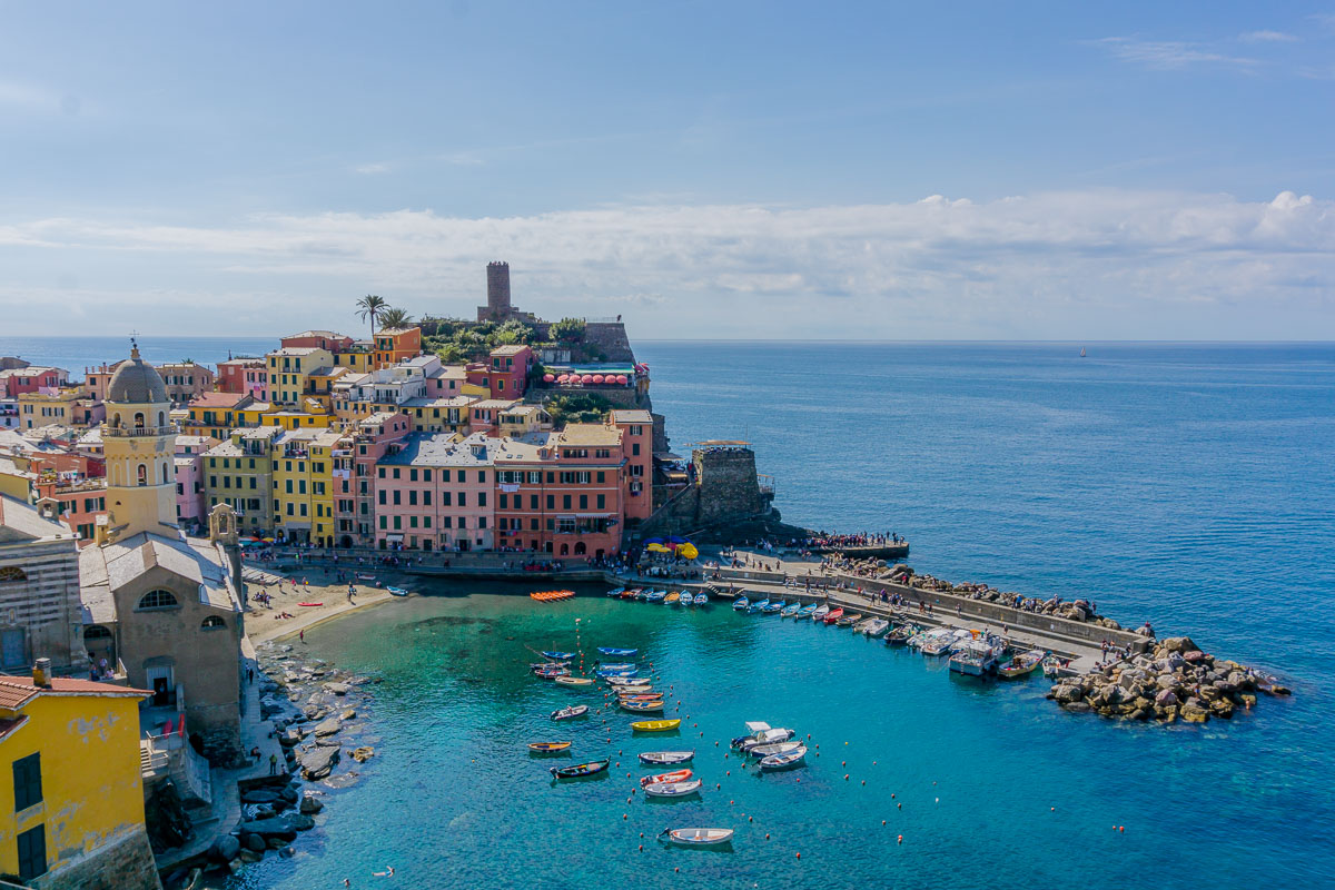 Cinque Terre, Italy is a beautiful UNESCO Heritage Site in Europe. Discover more amazing world heritage sites in Europe from this article. #UNESCO #unescosites #unescositeseurope #europeunesco #italyunesco #italy