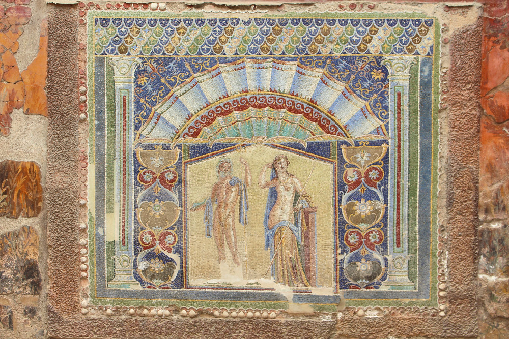 Herculaneum, Italy - Mosaic. Read this article and discover top UNESCO World Heritage Sites in Europe recommended by travel bloggers. #UNESCO #unescosites #unescositeseurope #europeunesco #italyunesco #italy