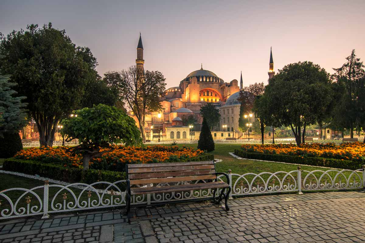 Istanbul Historic Areas - UNESCO World Heritage Site, Turkey is a beautiful UNESCO World Heritage Site in Europe. Discover more amazing heritage sites in Europe from this article. #UNESCO #unescosites #unescositeseurope #europeunesco #turkeyunesco #turkey