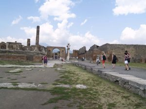 Pompeii, Italy. This is one of the most beautiful UNESCO World Heritage Sites in Europe. Discover more such popular heritages sites in Europe inside the article. #UNESCO #unescosites #unescositeseurope #europeunesco