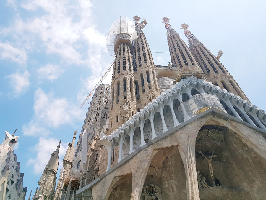 Sagrada Familia in Barcelona, Spain is a beautiful UNESCO World Heritage Site in Europe. Discover more amazing heritage sites in Europe from this article. #UNESCO #unescosites #unescositeseurope #europeunesco #spainunesco #spain