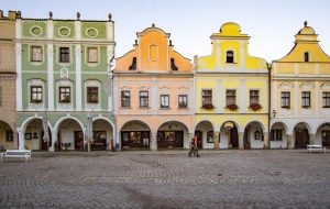Telč, Czech Republic is a beautiful UNESCO World Heritage Site in Europe. Discover more amazing heritage sites in Europe from this article. #UNESCO #unescosites #unescositeseurope #europeunesco #czechrepublicunesco #czechrepublic