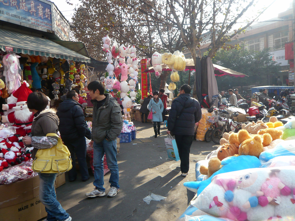 Christmas in Chengdu, China - This is one of the best alternative Christmas getaways. Read the article to discover more unique Christmas destinations. #christmas #christmasdestinations #christmasholidays #christmastrips #uniquechristmas #unusualchristmas #alternativechristmas
