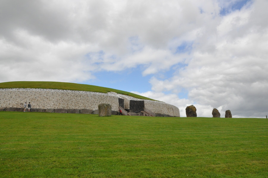 Newgrange, Ireland is one of the best UNESCO heritage sites in Europe. Read the article to discover more natural sites in Europe, and a list of world heritage in Europe to add to your bucket list. #UNESCO #unescosites #unescositeseurope #europeunesco #irelandunesco #ireland