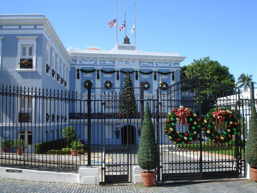 Christmas in Puerto Rico - This is one of the best alternative Christmas getaways. Read the article to discover more unique Christmas destinations. #christmas #christmasdestinations #christmasholidays #christmastrips #uniquechristmas #unusualchristmas #alternativechristmas