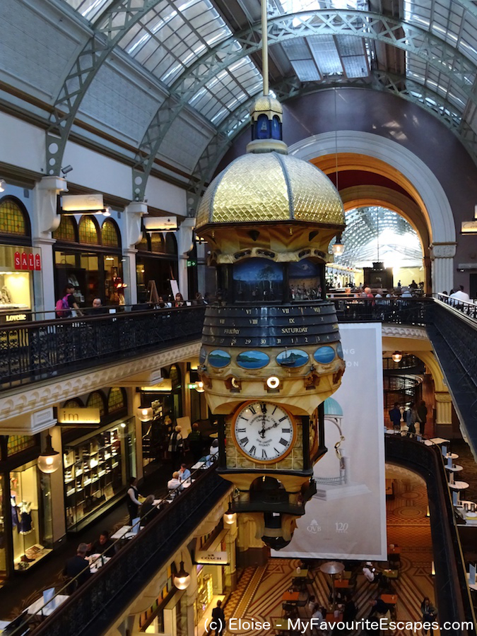 Clock in Queen Victoria Building, one of the Sydney points of interest. Read this 3-day Sydney itinerary to discover what to do in Sydney on your first visit. #sydney #australia #sydneyaustralia #sydneyguide #sydneyitinerary #sydneytraveling #australiatraveling #sydneytravelguide