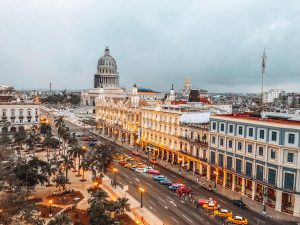The top 10 things to know before traveling to Cuba. Cuba safety, Cuba tourism, and Cuba tips included #cubatips #cubafacts #havanatips #havanafacts #cubathingstoknow