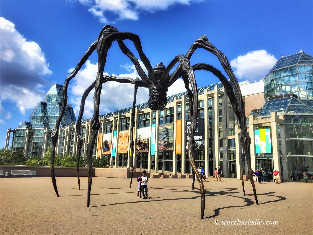 Maman - the huge spider sculpture in front of the National Gallery of Canada. Discover the best places to visit in Ottawa in 48 hours from this 2-day guide to Ottawa. #ottawa #ottawaitinerary #ottawacanada #ottawaattractions #ottawathingstodo