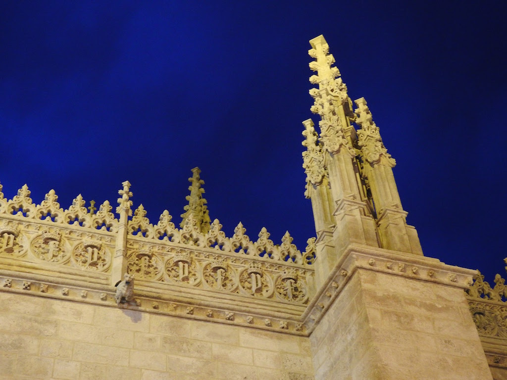 The Cathedral in Granada by night is one of the top attractions in Granada. Discover other Granada points of interest in this itinerary for three days in Granada. #granada #granadaitinerary #granadatravel #granadaspain #granadaguide #spaintravel