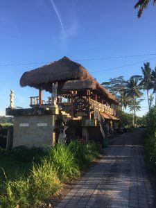 Karsa Kafe Ubud, a great place to relax on your 2 day trip to Ubud. Discover all the Ubud points of interest from this article. #ubuditinerary #ubudguide #baliindonesia #balitravel #bali #baliholiday #balinese #ubud