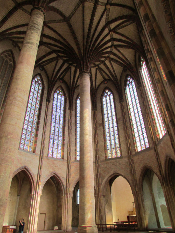 Museum, Church of Jacobins, Toulouse France. Discover what to do in Toulouse in 3 days from this guide. #toulouse #toulouseguide #toulousefrance #toulouseitinerary