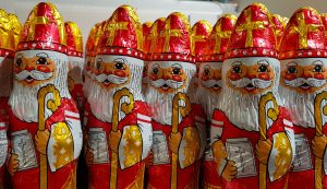 Sinterklaas – Saint Nicholas in The Netherlands, Belgium, and northern France - what to do on St Nicholas Day and St Nicholas day gifts ideas are included in this article. #saintnicholasday #winterholiday #winterholidays #stnick #stnicktraditions #stnicholastraditions