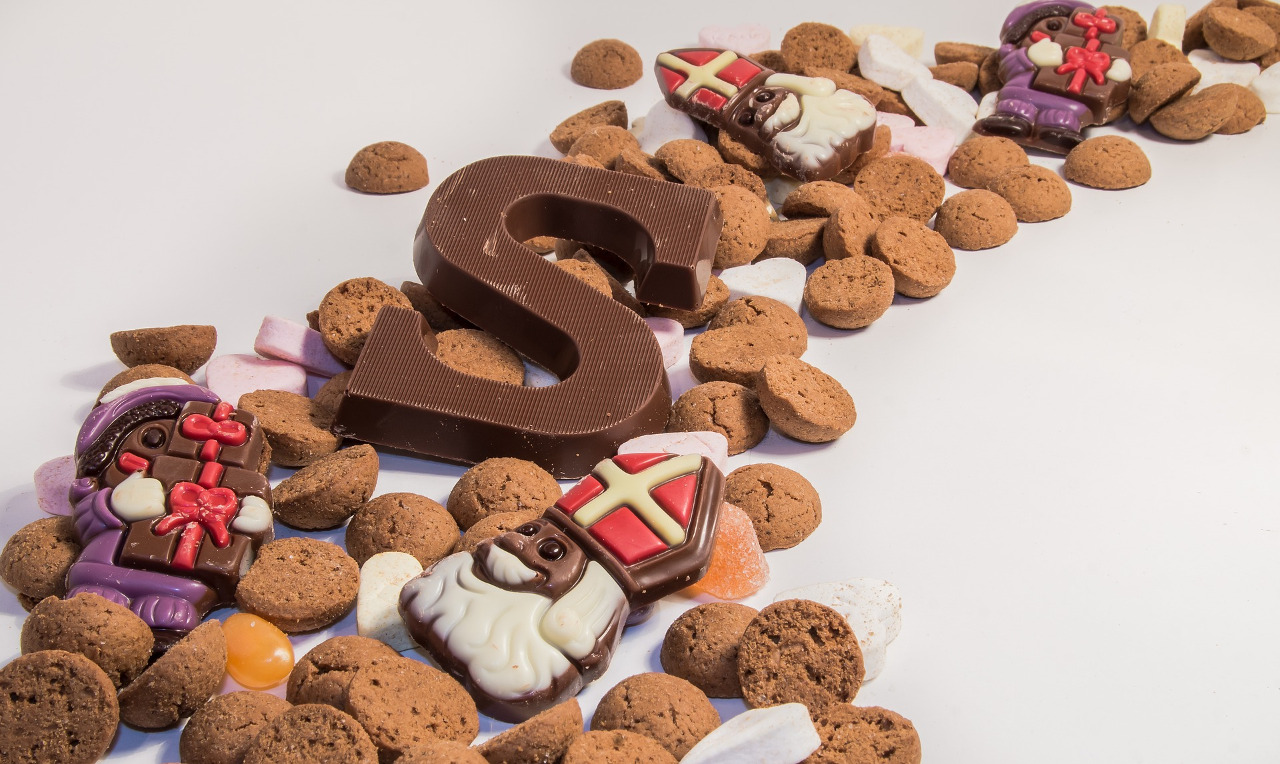 St. Nicholas-shaped cookies - discover Saint Nicholas origin, Saint Nicholas traditions and what to do on St Nick's Day from this article. #saintnicholasday #winterholiday #winterholidays #stnick #stnicktraditions #stnicholastraditions