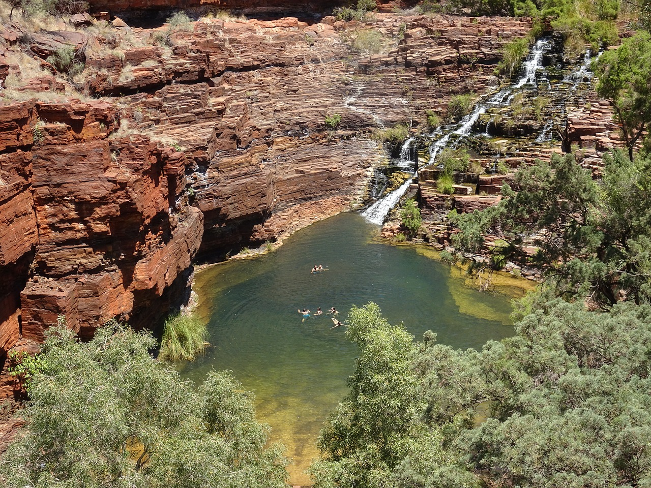 Karijini National Park is a must-see  if you travel Western Australia. Discover more things to do in Australia's West Coast from this article. #australia #westernaustralia #travelaustralia #australiatravel #australiaattractions