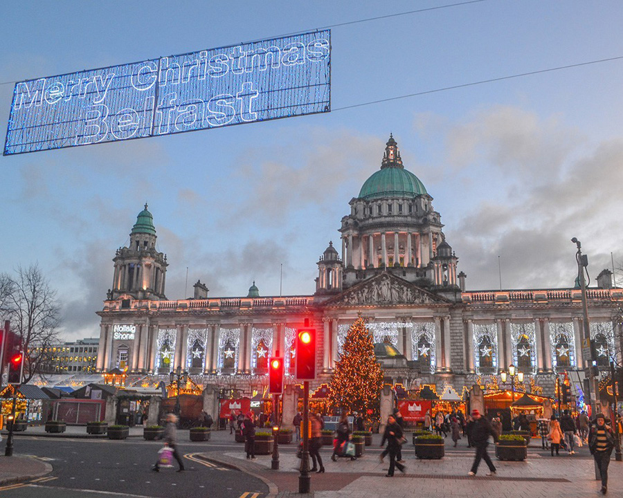 Belfast in Northern Ireland can be a great romantic destination in Europe. Discover 42 more European romantic places from this article. #romanticeurope #europe #valentinesday #love #citybreakseurope #romanticdestinations