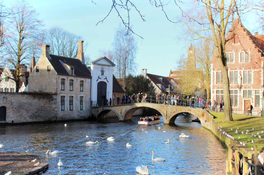 Bruges, Belgium is one of the most romantic towns in Europe. Discover 43 such romantic destinations in Europe recomended by travel bloggers from this article. #romanticeurope #europe #valentinesday #love #citybreakseurope #romanticdestinations